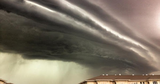A Derecho Storm: Pictures and Videos