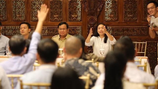 Youtuber: Ternyata Pak Prabowo Humoris, Tidak Galak
