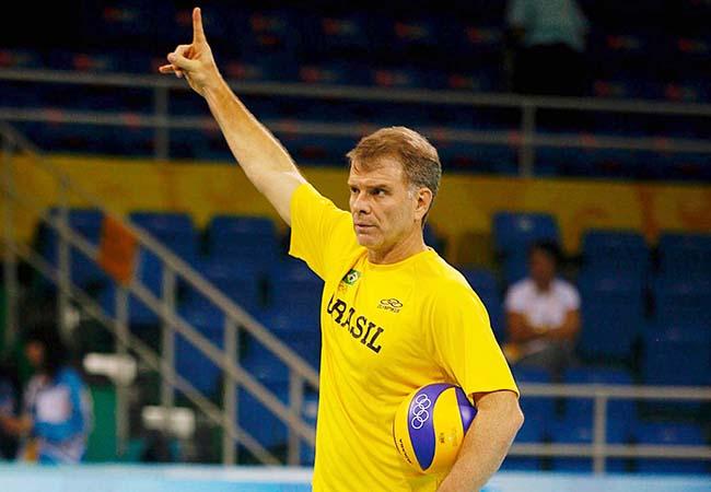 bfc87fe8f503a Bernardinho assumiu a seleção em 2001 e desde então promove a renovação do  voleibol masculino (foto  CBV   Divulgação)