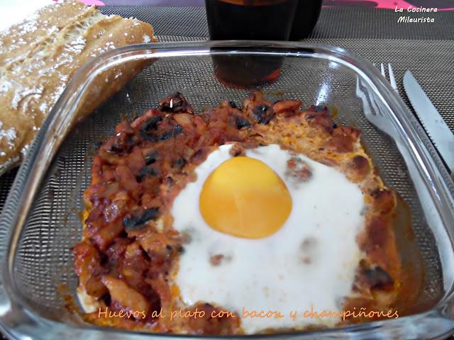 Huevos Al Plato Con Bacon Y Champiñones