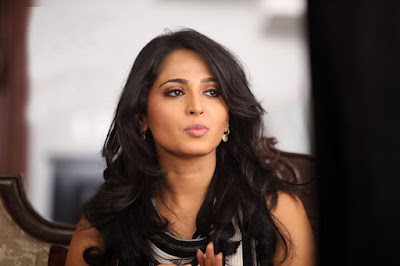 Beautiful and sexy Bollywood actress Anushka shetty new pictures in 1080p