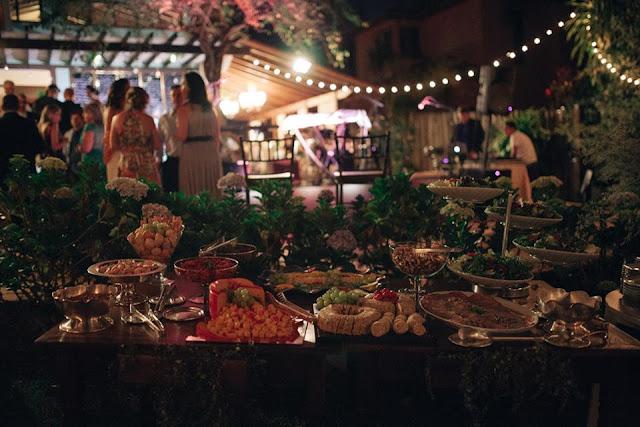 casamento real, sandra e renato, recepção, detalhes, mesa de antepastos, iluminação