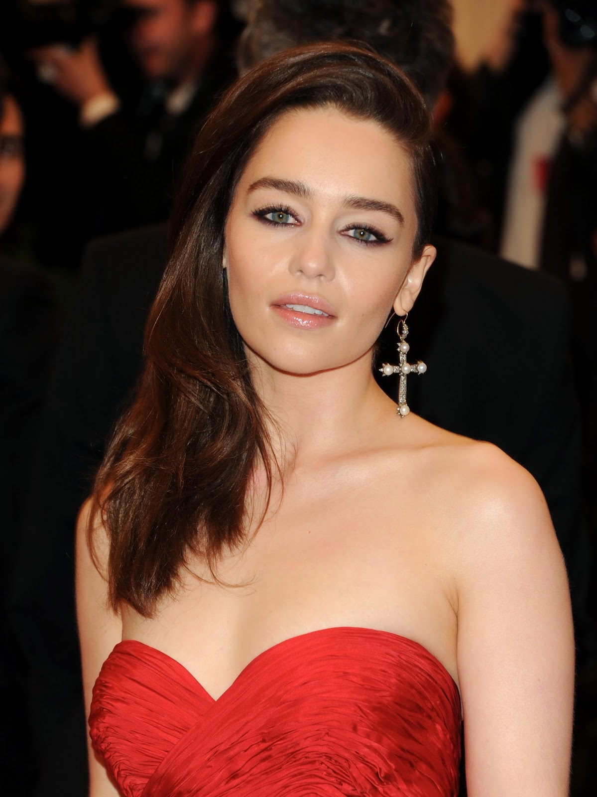 Emilia Clarke Hot Cleavage Spicy HQ Photos 'PUNK Chaos To Couture' Costume Institute Gala