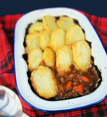 Scottish cottage pie with a sliced potato topping
