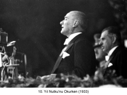 Atatürk 10.Yıl Nutkunu Okurken 1933 Fotoğraf