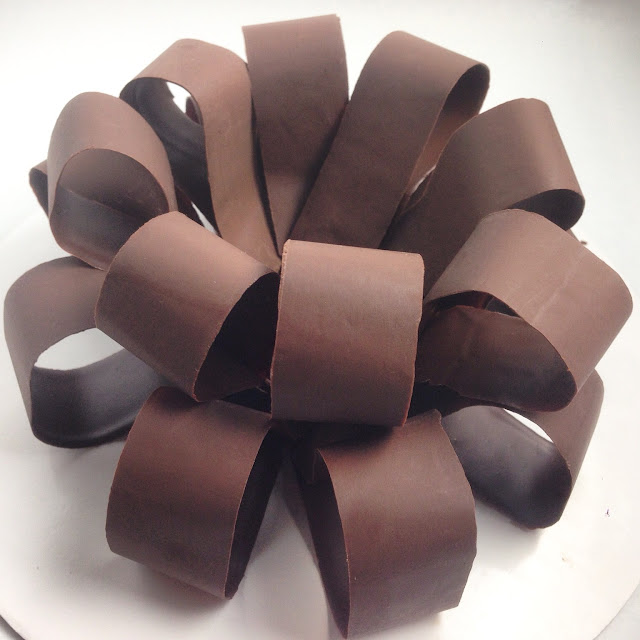 Fitting the Second Layer of Loops for the Chocolate Bow