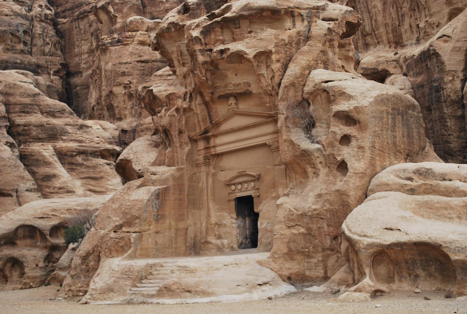 socalgalopenwallet: Little Petra