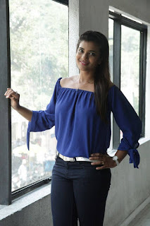 Actress Iyshwarya Rajesh Pictures in Jeans at Aarathu Sinam Movie Interview  0003.jpg