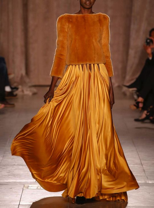 Ramp-fashion-gold-dress