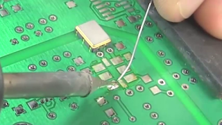 to clean Voltage Controlled Oscillator IC print on the mobile phone circuit use soldering iron