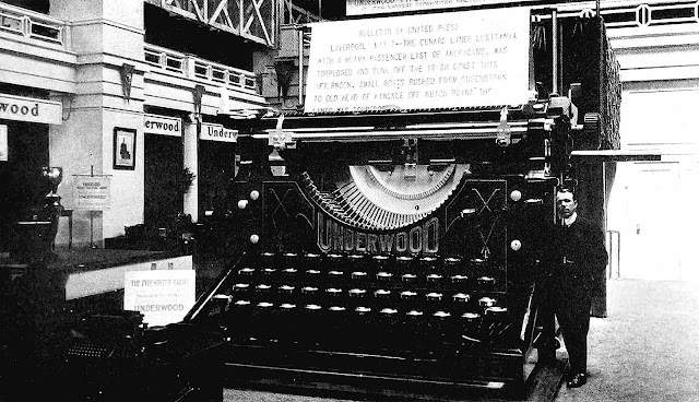 1915 pan pacific expo Underwood giant typewriter photograph