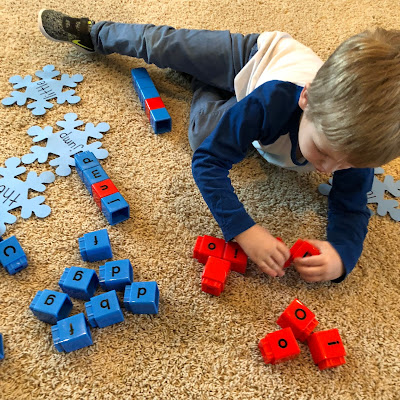 Switch up your word work center by writing sight words or spelling words on snowflake cut-outs. Then have students build each snowflake word using letter snap cubes!