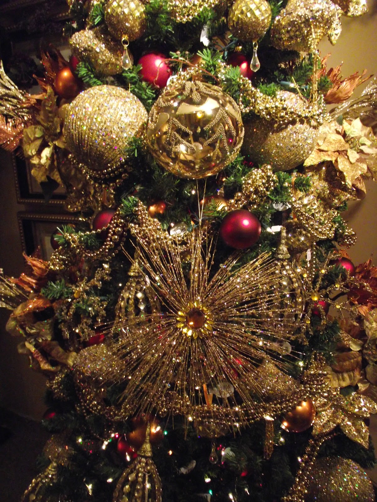 Decorating A Christmas Tree In Gold Copper And Red Gantt