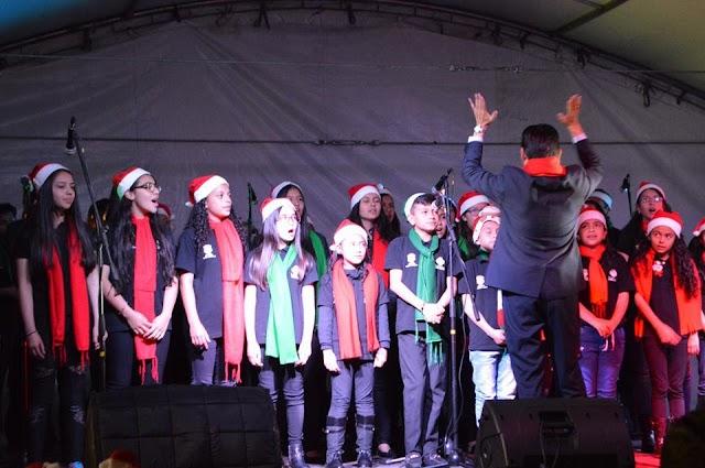 Bandas marciales y Coros navideños entonaron el inicio de la navidad en Facatativá