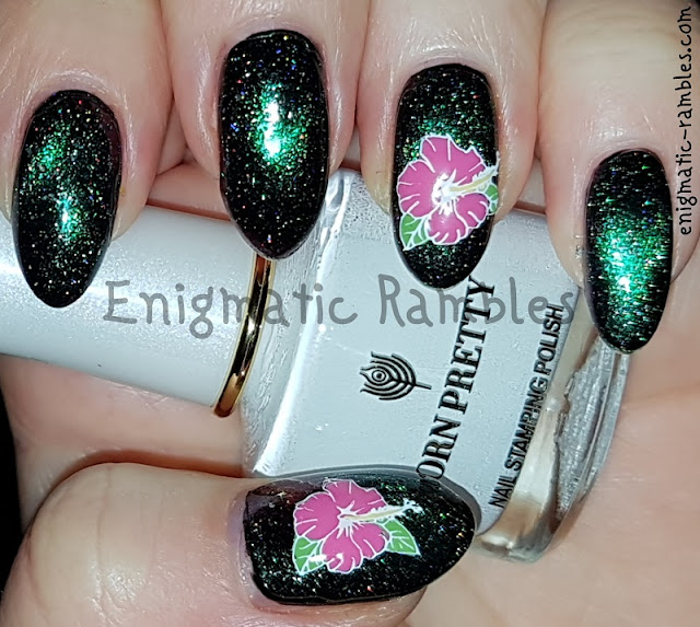 floral-stamped-nails