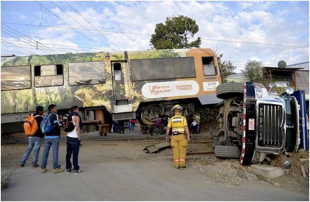 Unmarked train crossings create hazards for drivers in Costa Rica