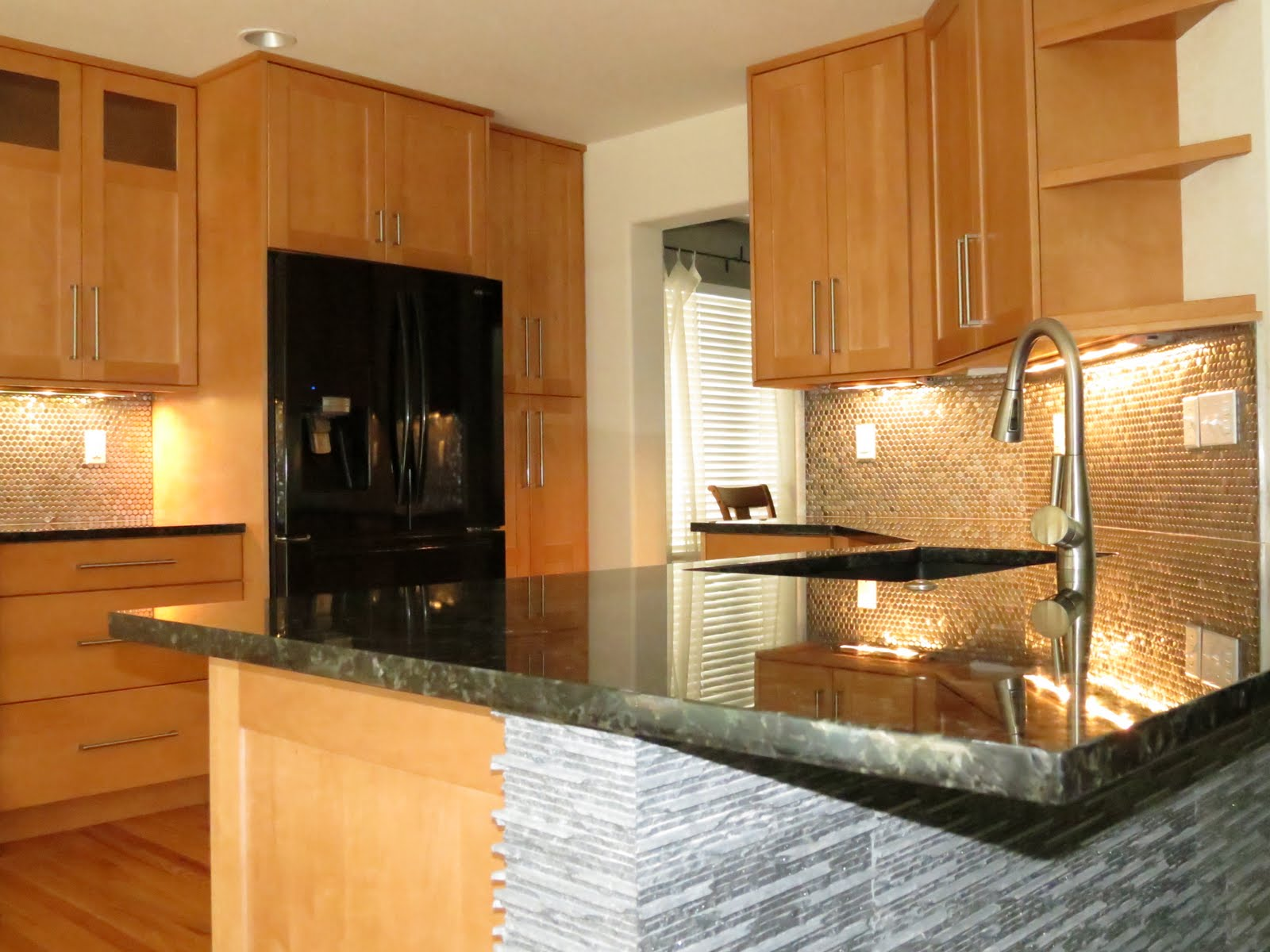 Kitchen Designs with Maple Cabinets