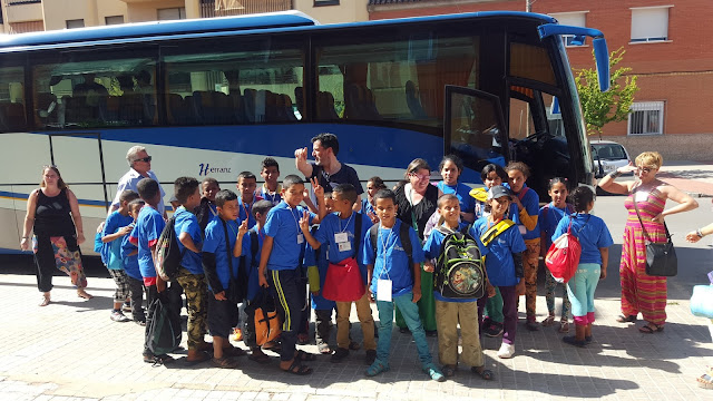 Grupo de niños saharauis antes de emprender el viaje para encontrarse con sus familias españolas