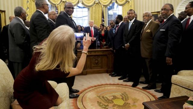Twitter debate sparks over photo of Conway sitting on Oval Office couch