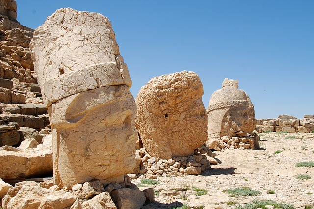 Mount Nemrut, turkey holidays, cheap holidays to turkey, turkey mounts, turkey travel,