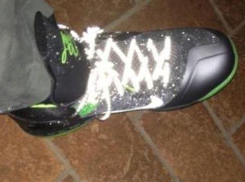 a4d68eeda54 THE SNEAKER ADDICT  Lebron James Rockin His Nike Lebron 9