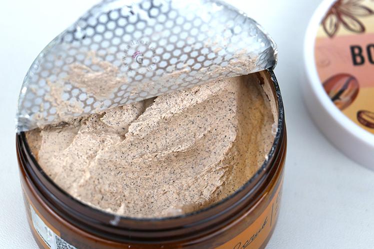 Tekstur Scarlett Whitening Body Scrub Coffee