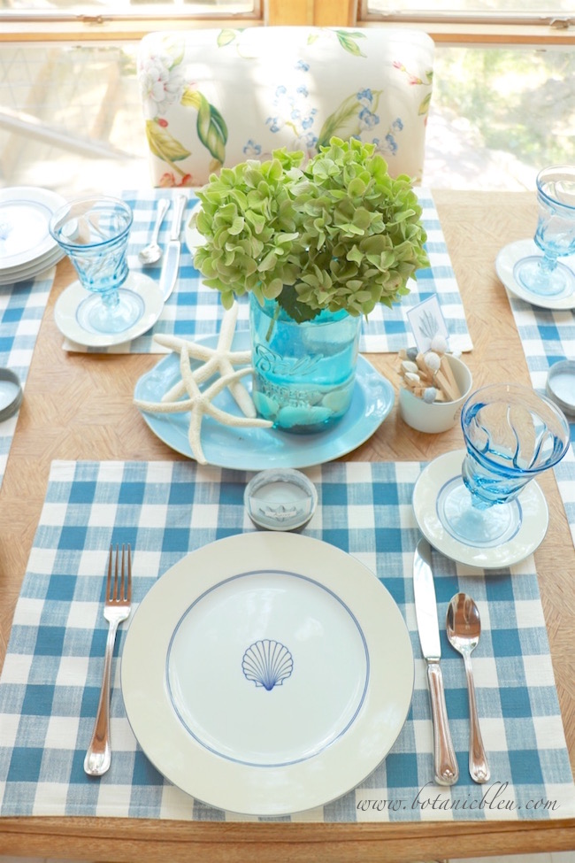 blue-white-checked-placemats-add-country-to-seashell-plates