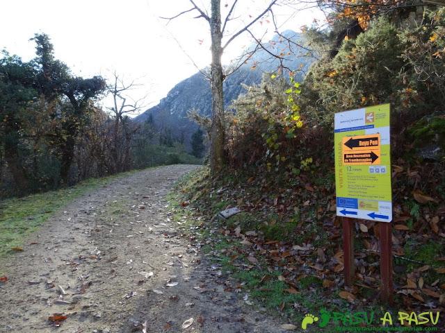 Crucen en la ruta de Beyu Pen hacia Pen y Tranbesagües