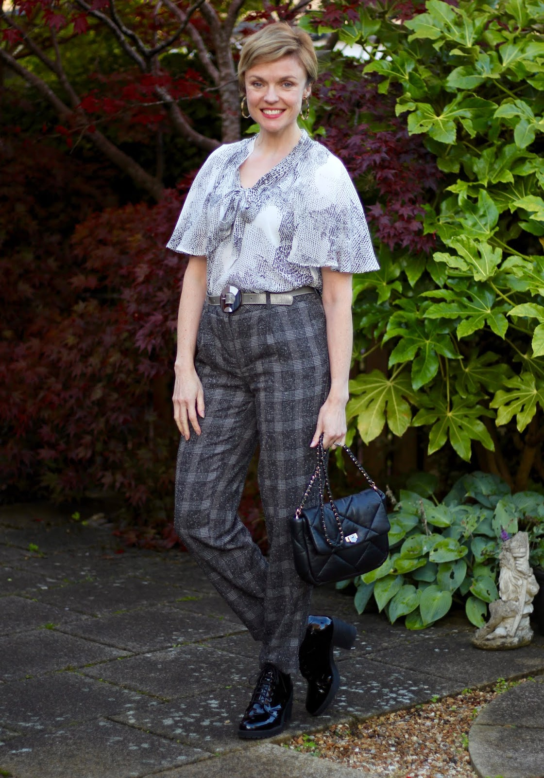 Mixing patterns | Grey Autumn Work Outfit | Fake Fabulous