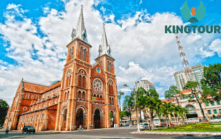 Travelling in Ho Chi Minh City, Vietnam by electric vehicle with King Tour