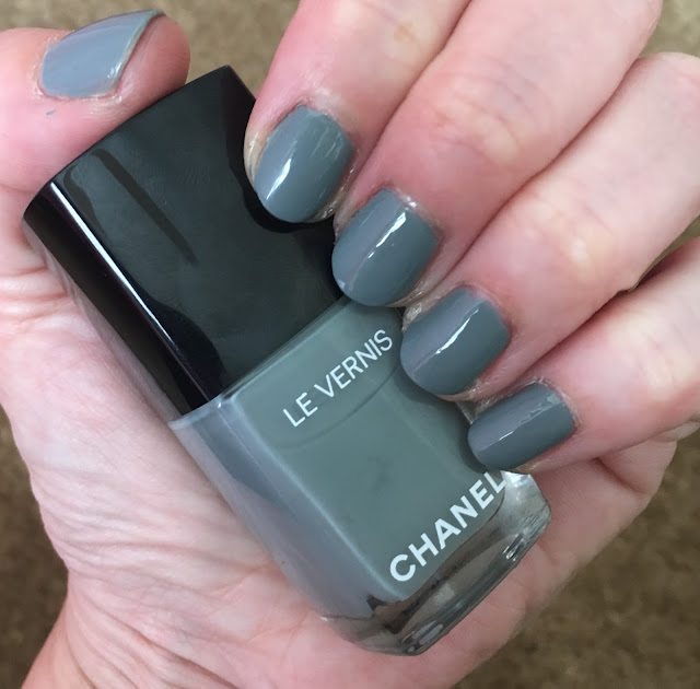 Chanel, Chanel Le Vernis Nail Colour, Chanel Spring 2017 Collection, Chanel Washed Denim, nails, nail polish, nail lacquer, nail varnish, manicure, #ManiMonday