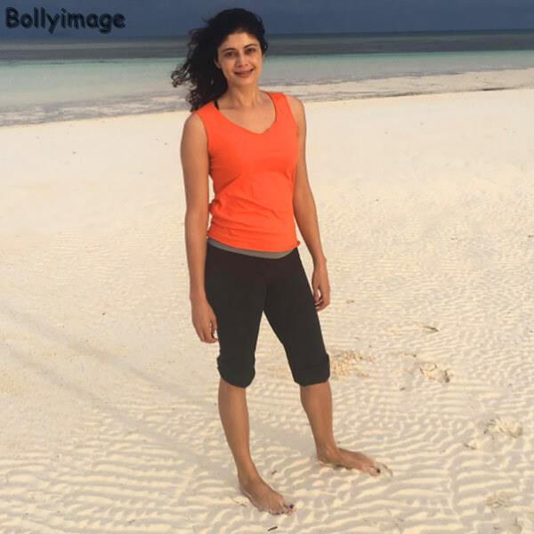 pooja batra latest hot image