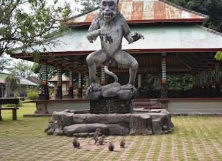 http://www.teluklove.com/2017/01/pesona-keindahan-wisata-hutan-monyet.html
