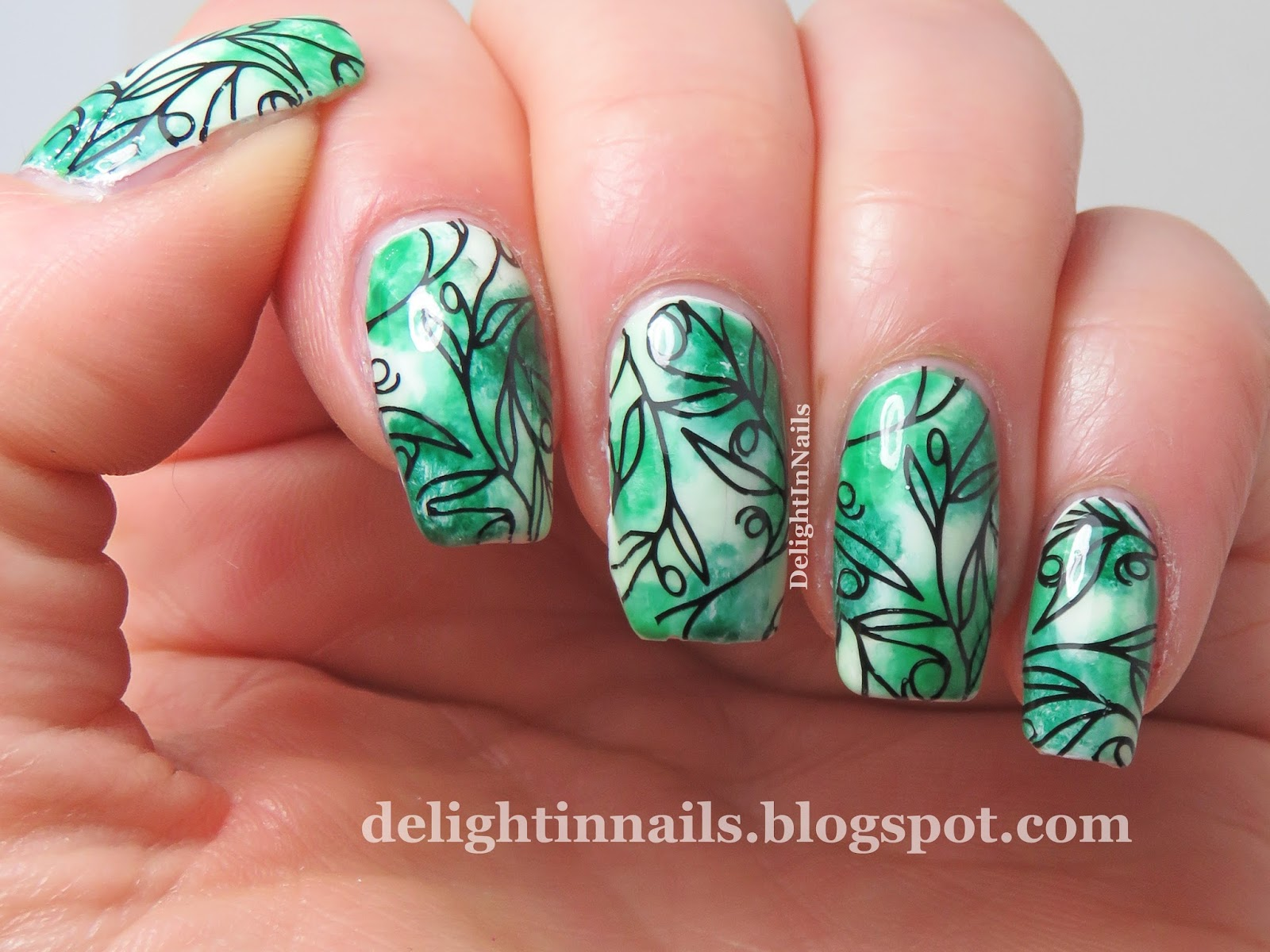 Delight In Nails 40 Great Nail Art Ideas 3 Shades Of Green