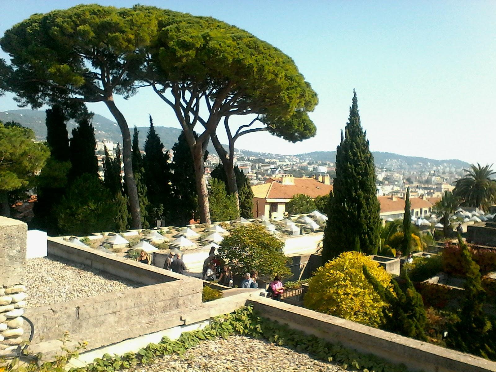 Le jardin messager for Jardin villa xavier