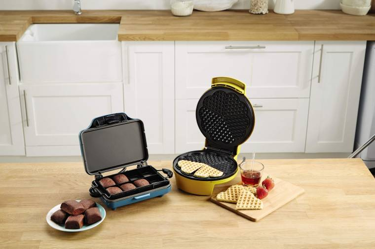 ALDI Special Buy Waffle Maker Review: Homemade Waffles