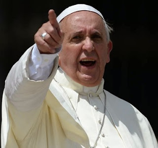 Pope Francis Threaten To Sack Nigerian Priests