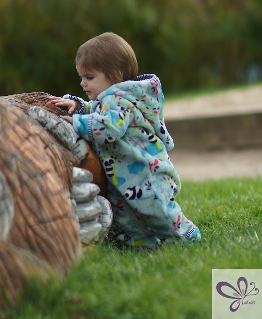 Outdooranzug von Klimperklein, Wellnessfleece Pandabären von pepelinchen.de, Babykleidung, Winteranzug, Draußenanzug, Fleeceanzug