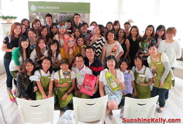 Passport to Yves Rocher, France Beauty Discovery, beauty workshop, group photo