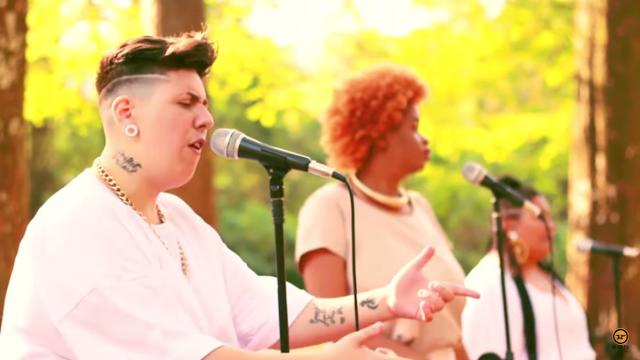 """Sara Donato e Issa Paz (RapPlusSize) lançam o clipe """"Levante sua Cabeça"""" com participação de Tássia Reis & Banda Davidariloco"""