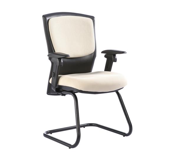 ghế phòng họp nhập khẩu với sự kết hợp độc đáo giữa đen và trắng
