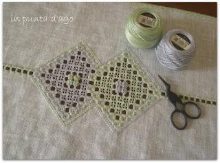 http://silviainpuntadago.blogspot.com/2011/08/perl-8-grigio-415-perl-8-verde-369-lino.html