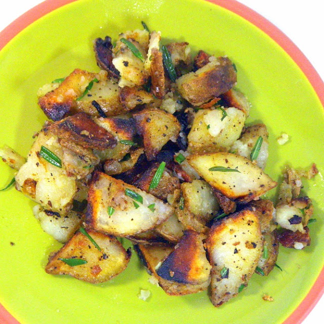 52 Ways To Cook: Fried Rosemary Potatoes (Patate Al Rosmarino