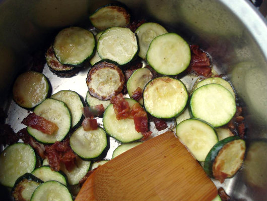 add courgette and garlic