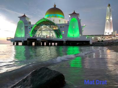 Sunset Indah Masjid Selat Melaka