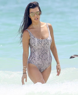 kourtney-kardashian-flaunts-toned-body