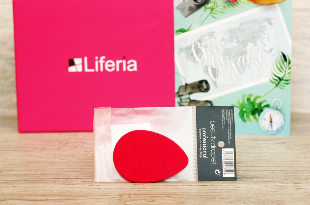 liferia-bon-voyage, sierpniowa-liferia, box-kosmetyczny, box-subskrypcyjny, pudelko-kosmetyczne, beauty-droplet, gabka-do-makijazu