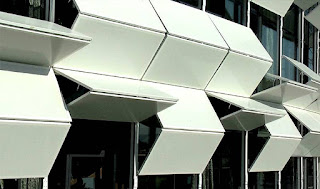 Kiefer Technic Showroom Dynamic Facade