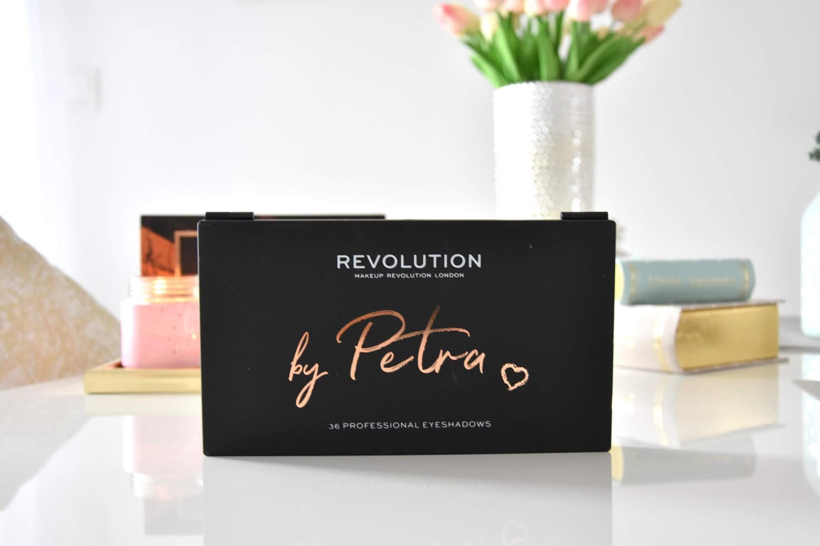 Makeup Revolution by Petra paletka ocnych tienov notino