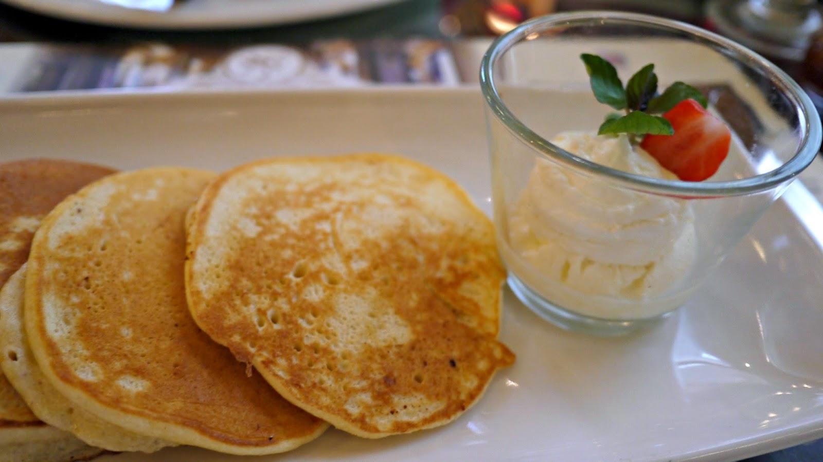 New York Cafe Budapest pancakes